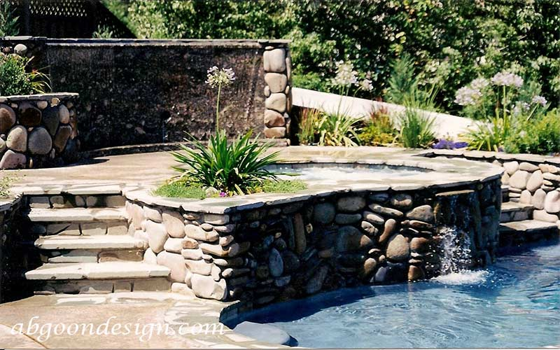 نمونه آبنما صخره ای و باغی